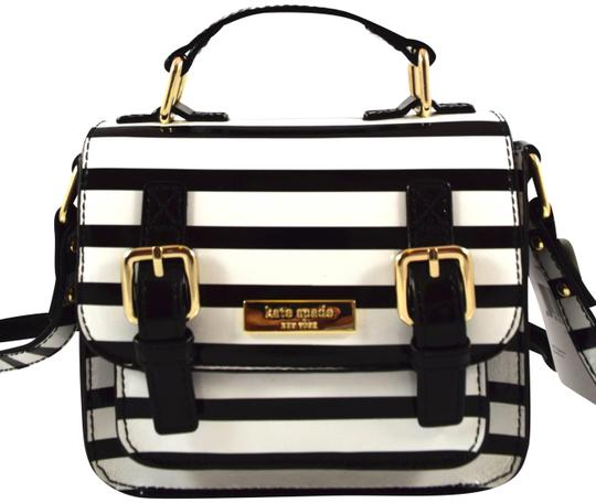 Preload https://img-static.tradesy.com/item/23989345/kate-spade-mini-scout-blackcream-stripe-961-leather-messenger-bag-0-1-540-540.jpg