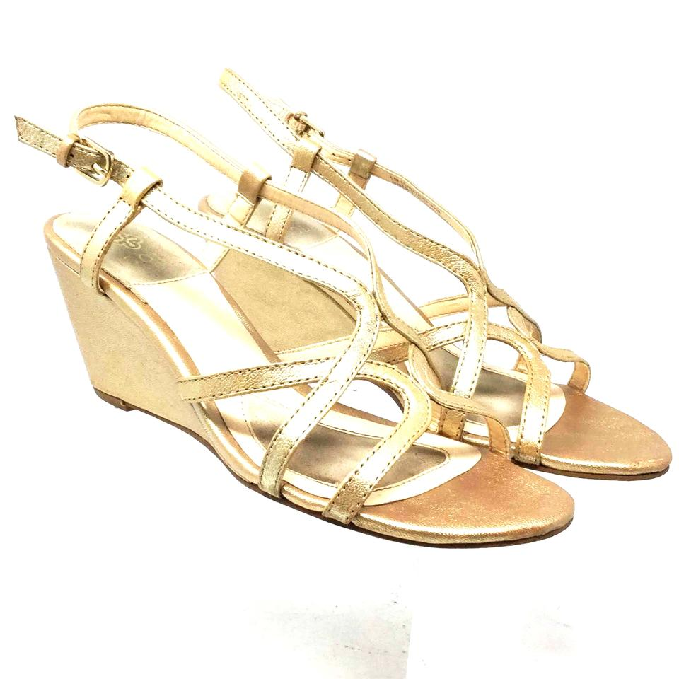 a681814ce8e8 Isola Wedge Size 6.5 Strappy S061118-06 Gold Sandals Image 0 ...
