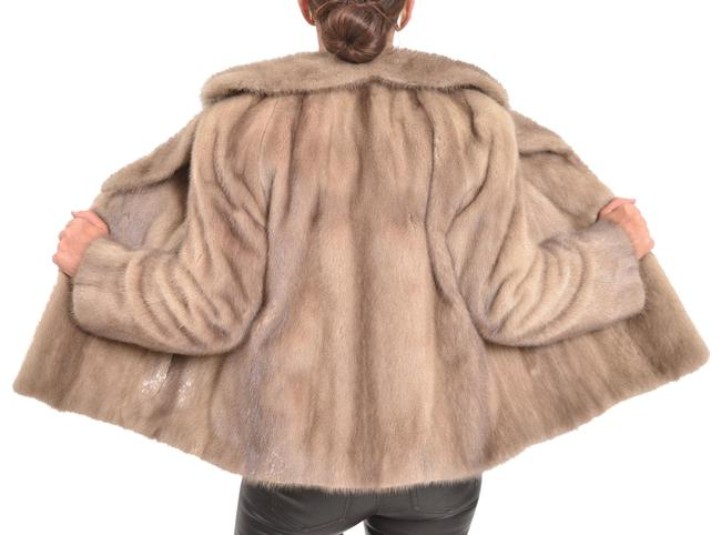 Item - Silver Pastel Gray Mink Jacket A-line Excellent Condition Coat Size 8 (M)