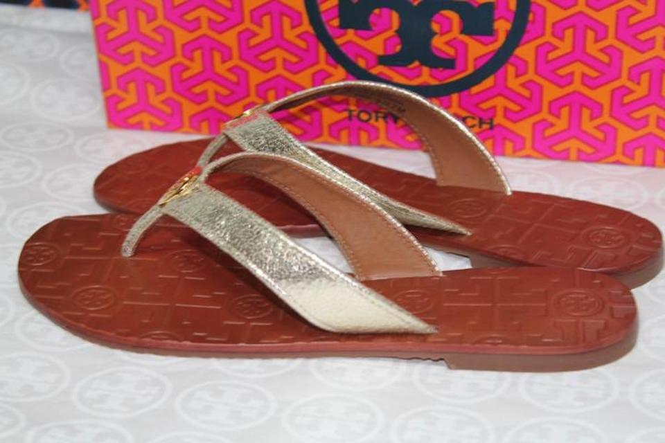 36137702f1a1 Tory Burch Gold New Leather Logo Flip Flats Sandals Size US 7 Regular (M