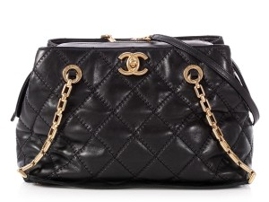Chanel Ch.p0803.17 Gold Hardware Quilted Cc Reduced Price Tote in Black