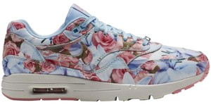 Nike Limited Edition Pink/Blue Athletic