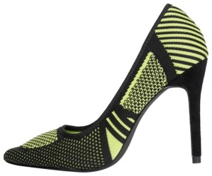 Cape Robbin Black and lime Pumps