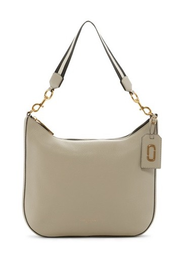 Preload https://img-static.tradesy.com/item/23996677/marc-jacobs-gotham-city-beige-leather-exterior-textiling-lining-hobo-bag-0-0-540-540.jpg