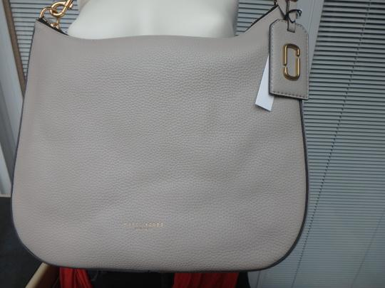 Marc Jacobs Gotham City Off-white Pebble Leather Shoulder M0008287 Hobo Bag Image 5