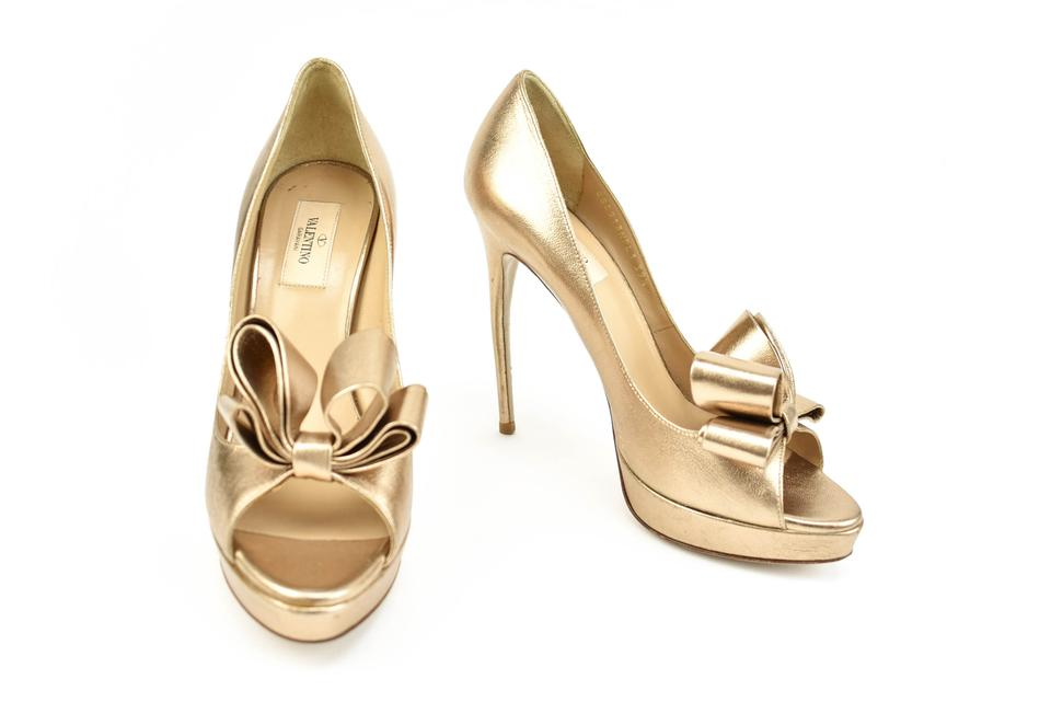 Valentino Metallic Rose Gold Leather / & Bow Detail Heels / Leather Pumps b8dff5