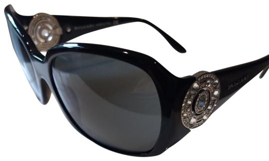 Preload https://img-static.tradesy.com/item/23997190/bvlgari-black-8008-b-501-87-5817-sunglasses-0-3-540-540.jpg