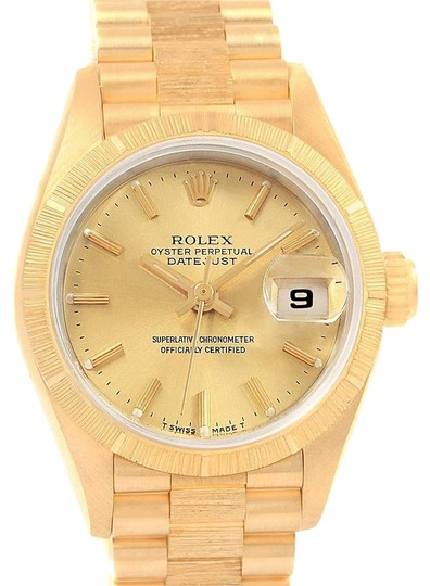 Preload https://img-static.tradesy.com/item/23997192/rolex-champagne-president-datejust-26-18k-yellow-gold-ladies-69278-watch-0-1-540-540.jpg