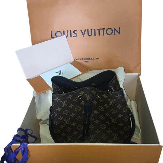 Preload https://item4.tradesy.com/images/louis-vuitton-neonoe-mm-monogram-canvas-black-shoulder-bag-23997193-0-1.jpg?width=440&height=440