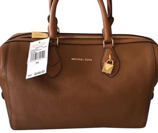 Preload https://img-static.tradesy.com/item/23997215/michael-kors-large-convertible-grayson-acorn-leather-satchel-0-1-540-540.jpg