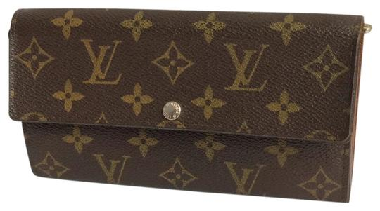 Preload https://img-static.tradesy.com/item/23997228/louis-vuitton-brown-monogramed-lv-sarah-bifold-wallet-0-2-540-540.jpg