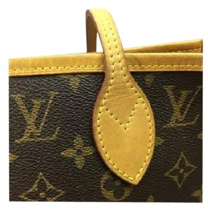 Louis Vuitton Neverfull MM w/red Lining Shoulder Bag