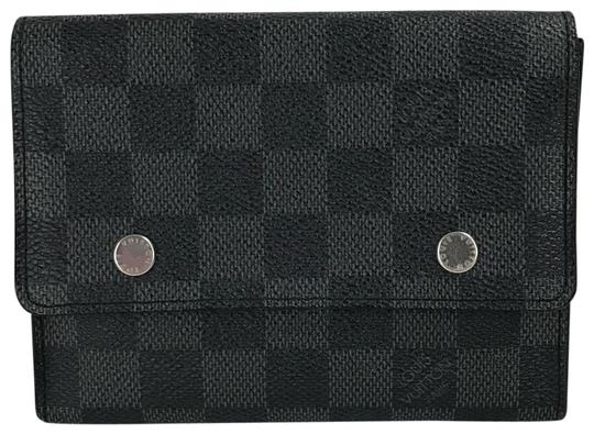 Preload https://item2.tradesy.com/images/louis-vuitton-black-damier-graphite-medium-card-case-with-inserts-wallet-23997306-0-1.jpg?width=440&height=440