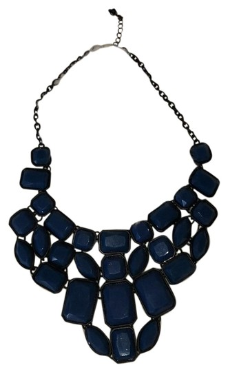 Preload https://img-static.tradesy.com/item/23997365/forever-21-blue-and-black-statement-necklace-0-1-540-540.jpg