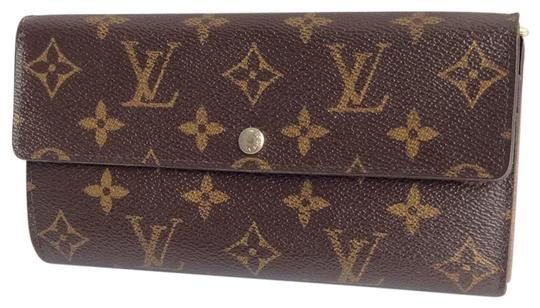 Preload https://img-static.tradesy.com/item/23997385/louis-vuitton-brown-monogramed-lv-sarah-bifold-wallet-0-1-540-540.jpg