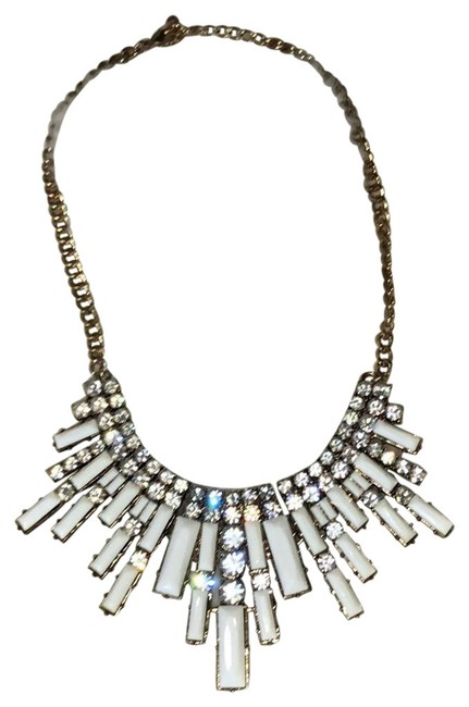 Item - White and Gold Statement Necklace