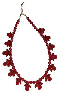 Preload https://item3.tradesy.com/images/forever-21-red-statement-necklace-23997407-0-1.jpg?width=440&height=440