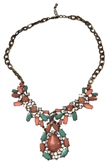 Preload https://img-static.tradesy.com/item/23997421/forever-21-coral-and-blue-statement-necklace-0-1-540-540.jpg