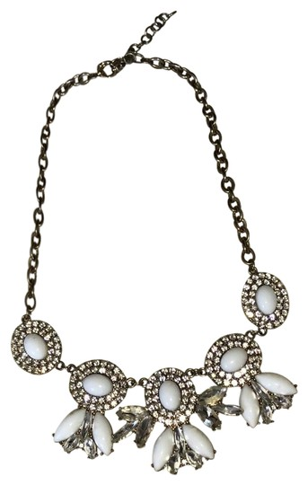 Preload https://item2.tradesy.com/images/jcrew-white-statement-necklace-23997451-0-1.jpg?width=440&height=440