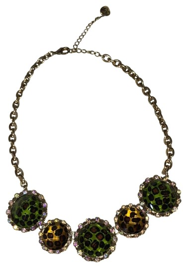 Preload https://item3.tradesy.com/images/betsey-johnson-gold-statement-necklace-23997462-0-1.jpg?width=440&height=440
