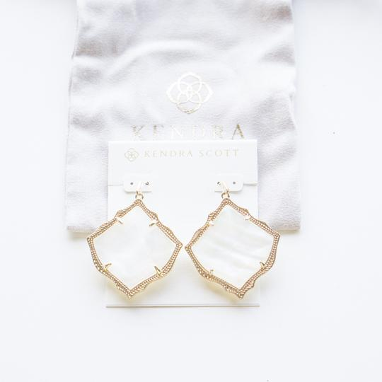 Kendra Scott Kirsten Gold Drop Earring Ivory Pearl