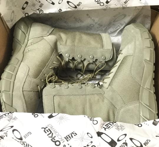 Oakley In Box Mens Sage Boots