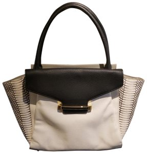 Vince Camuto Tote in Grey and black