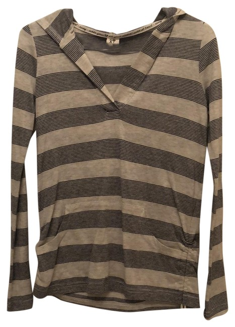 Preload https://item4.tradesy.com/images/roxy-blue-and-gray-stripes-beach-coverup-sweaterpullover-size-2-xs-23997728-0-1.jpg?width=400&height=650