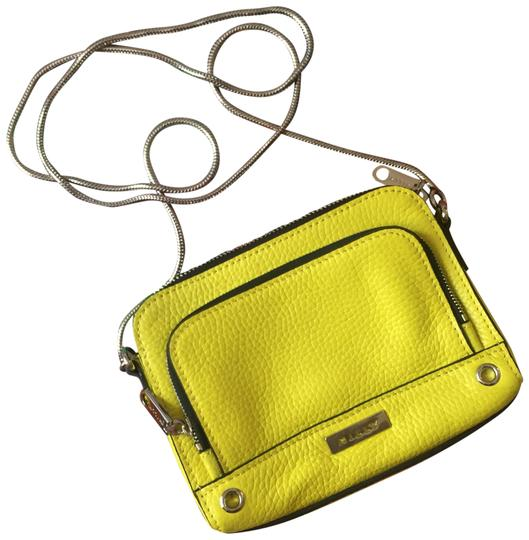 Preload https://img-static.tradesy.com/item/23998173/milly-mini-bright-yellow-leather-cross-body-bag-0-1-540-540.jpg