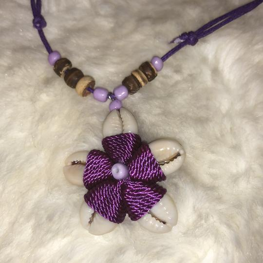 Shell and Bead Flower Necklace adjustable Image 1