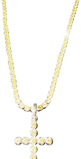 Preload https://img-static.tradesy.com/item/23998735/canary-yellow-and-white-gold-necklace-0-1-540-540.jpg