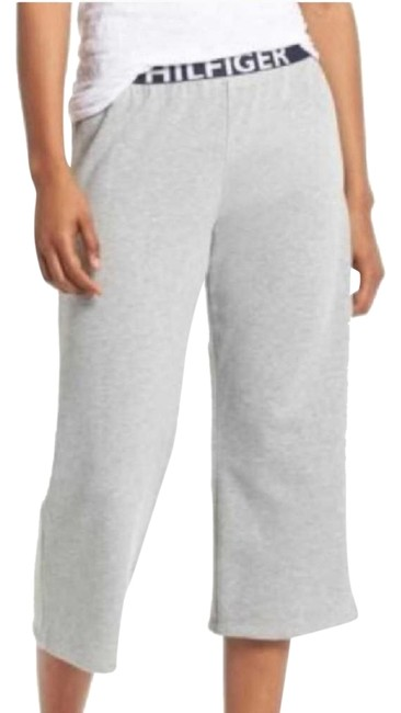 Preload https://img-static.tradesy.com/item/23998763/tommy-hilfiger-gray-iconic-logo-lounge-pants-capris-size-8-m-29-30-0-1-650-650.jpg