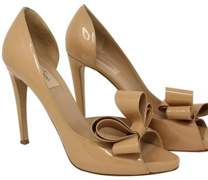 7d7b48ca7cc5 Valentino Nude Bow Patent Leather Pumps Size EU 40 (Approx. US 10 ...