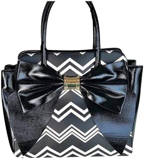 Preload https://img-static.tradesy.com/item/23998975/betsey-johnson-huge-bow-chevron-stripes-gold-hardware-satchelcross-overtote-multi-color-faux-leather-0-5-540-540.jpg
