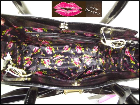 Betsey Johnson Contrast Print Gold Hardware Satchel/Cross Over Large Size Faux Leather Tote in Multi-Color Image 9
