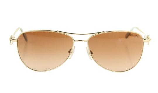 Preload https://img-static.tradesy.com/item/23999166/tiffany-and-co-gold-pilot-gradient-sunglasses-0-3-540-540.jpg
