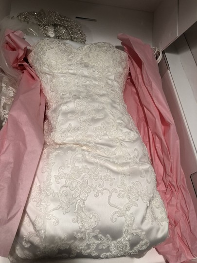 Maggie Sottero White Lace Full Strapless Sweetheart Feminine Wedding Dress Size 0 (XS)
