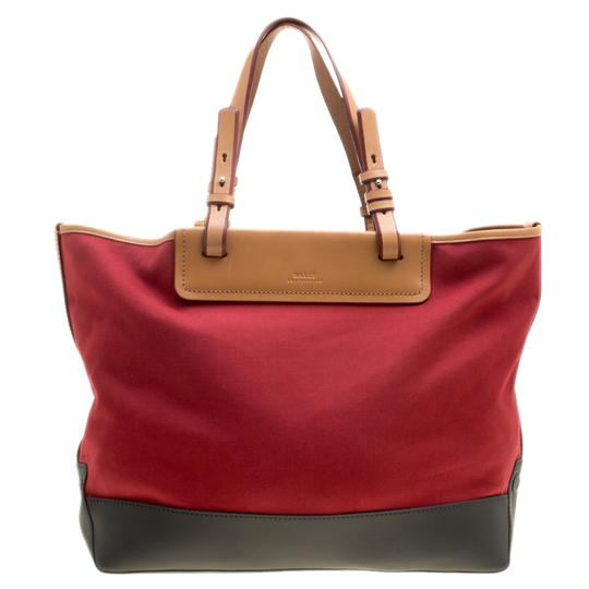Preload https://img-static.tradesy.com/item/23999524/bally-tri-color-shopper-w-pouch-red-canvas-leather-and-rubber-tote-0-0-540-540.jpg