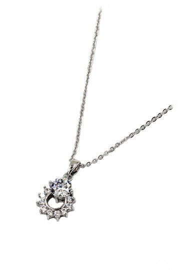 Preload https://img-static.tradesy.com/item/24000351/silver-sterling-crystal-delicate-clavicle-necklace-0-0-540-540.jpg