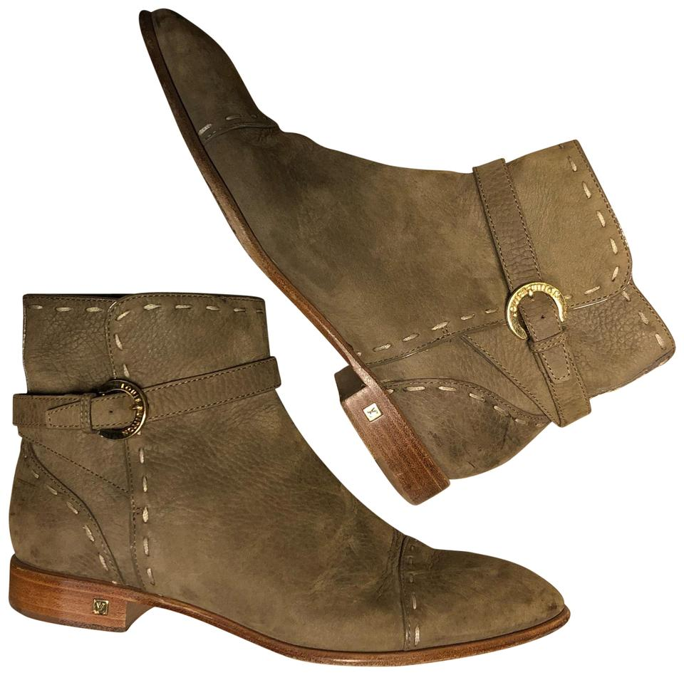 36fbcbff36b Brown Louis Vuitton Boots & Booties 9 Up to 90% off at Tradesy
