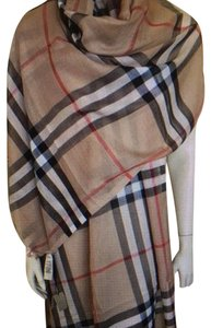 Burberry Burberry large shawl/scarf New with Tags