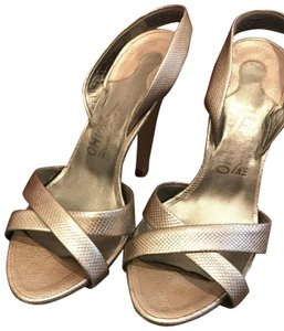 7951bde702f8 Salvatore Ferragamo Platforms - Up to 90% off at Tradesy