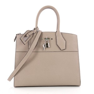 Louis Vuitton Handbag Leather Tote in light brown