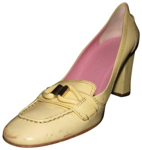 Céline Loafer Style Heels Size 39 Eu/9 Us Excellent Condition At Toes pale yellow patent leather with gold accent Pumps