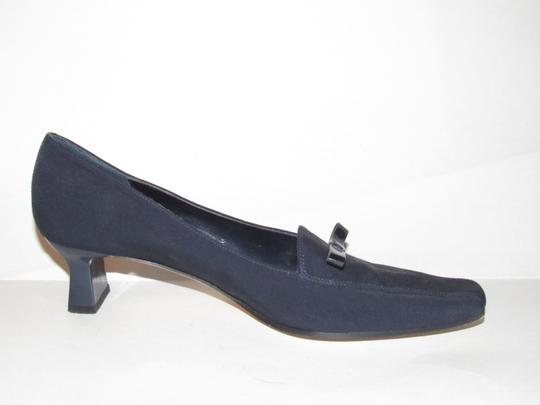 Vaneli Dressy Or Casual 40's Rockabilly Look Kitten Heels Leather/Patent Bow Accents dark navy color over leather and patent leather Pumps Image 3