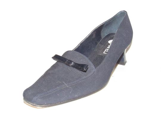 Vaneli Dressy Or Casual 40's Rockabilly Look Kitten Heels Leather/Patent Bow Accents dark navy color over leather and patent leather Pumps Image 5