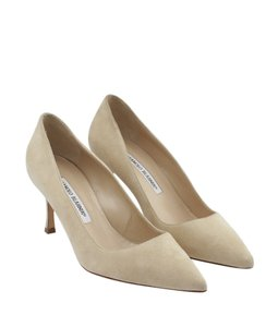 Manolo Blahnik Bb Suede Beige Pumps