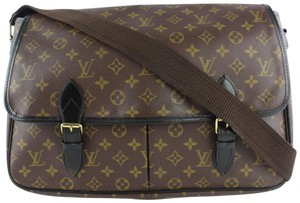 Louis Vuitton Congo Gibciere Brooklyn District Mick Brown Messenger Bag