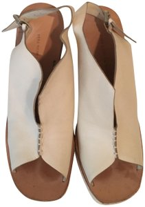 Vera Wang Made In Italy Sporty Happy Fashionable LITE BEIGE Wedges