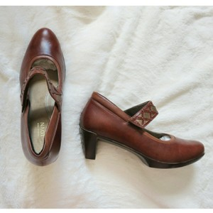 Naot Brown Pumps